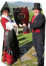 coppia-con-drapeau